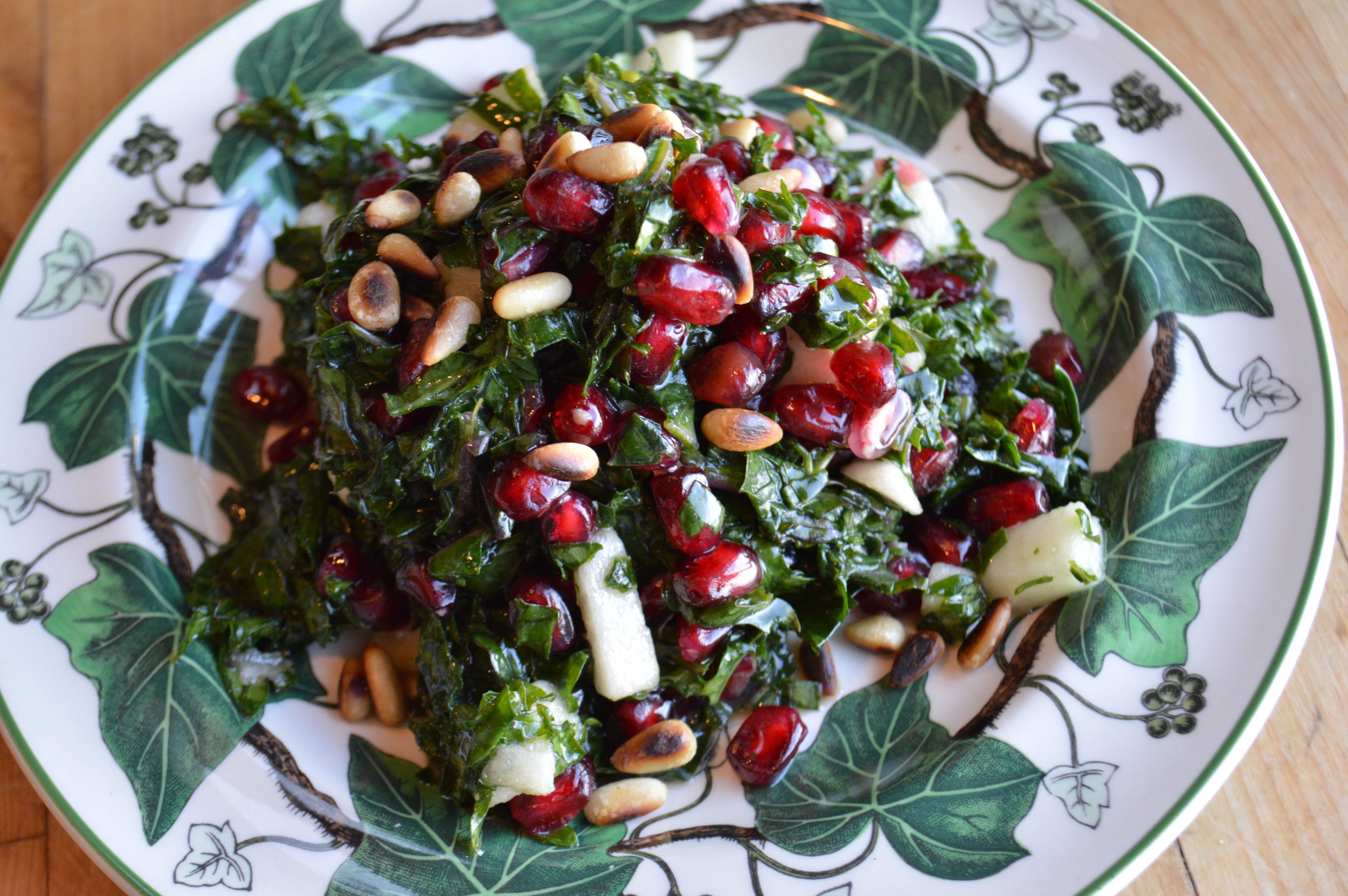 Kale Salad with Pomegranate Seeds and Apples