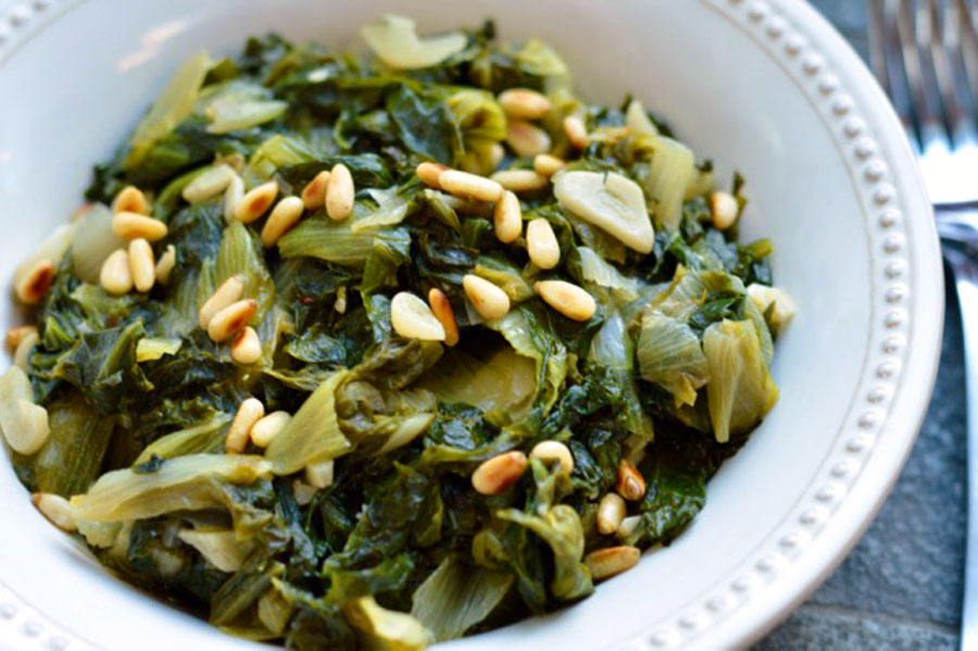Braised Escarole with Garlic