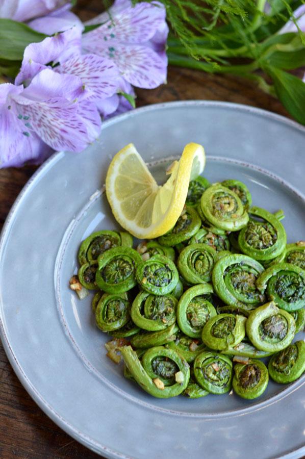 Fiddlehead Ferns with Garlic