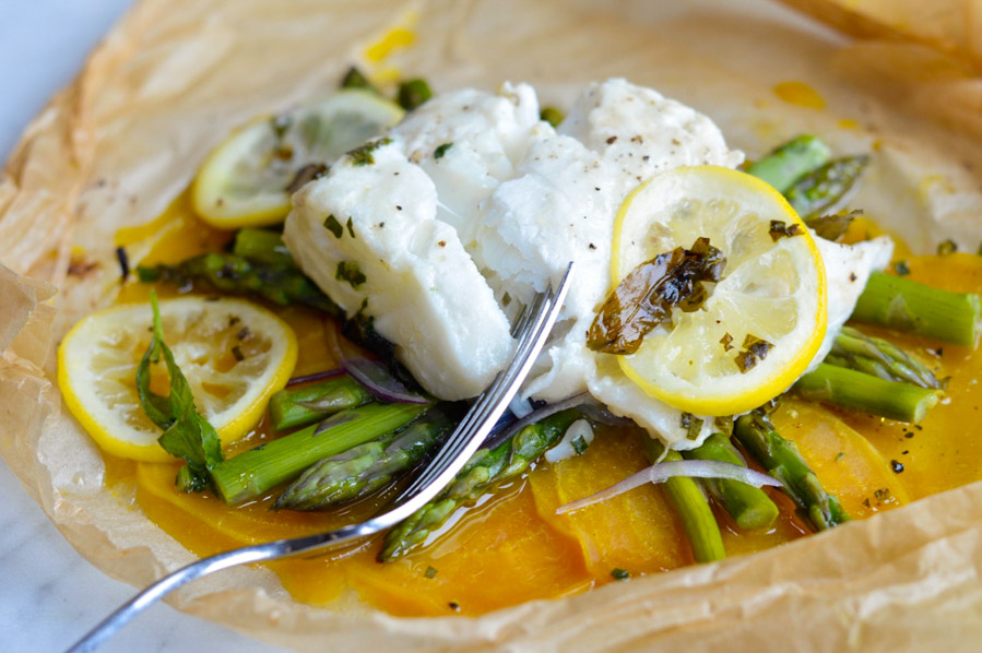 Fish in Parchment with Asparagus