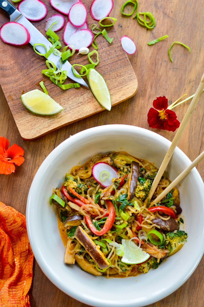 Thai Red Curry Noodles with Vegetables chopping