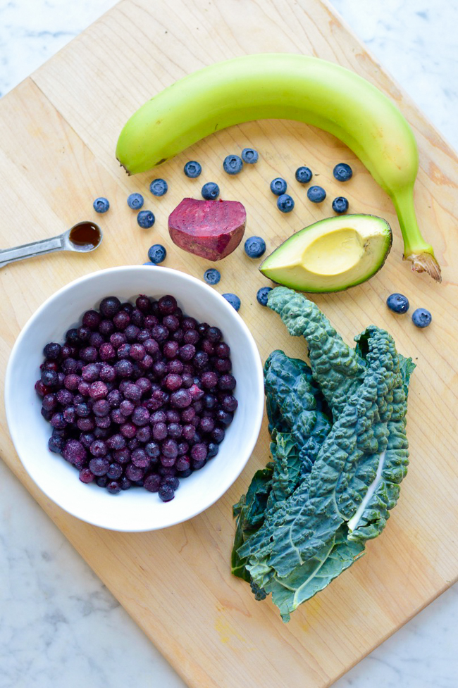 Balancing Creamy Blueberry Smoothie Ingredients