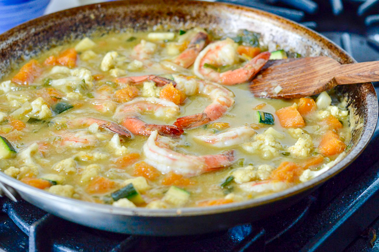 Thai Shrimp and Vegetable Curry shrimp and veg cooking
