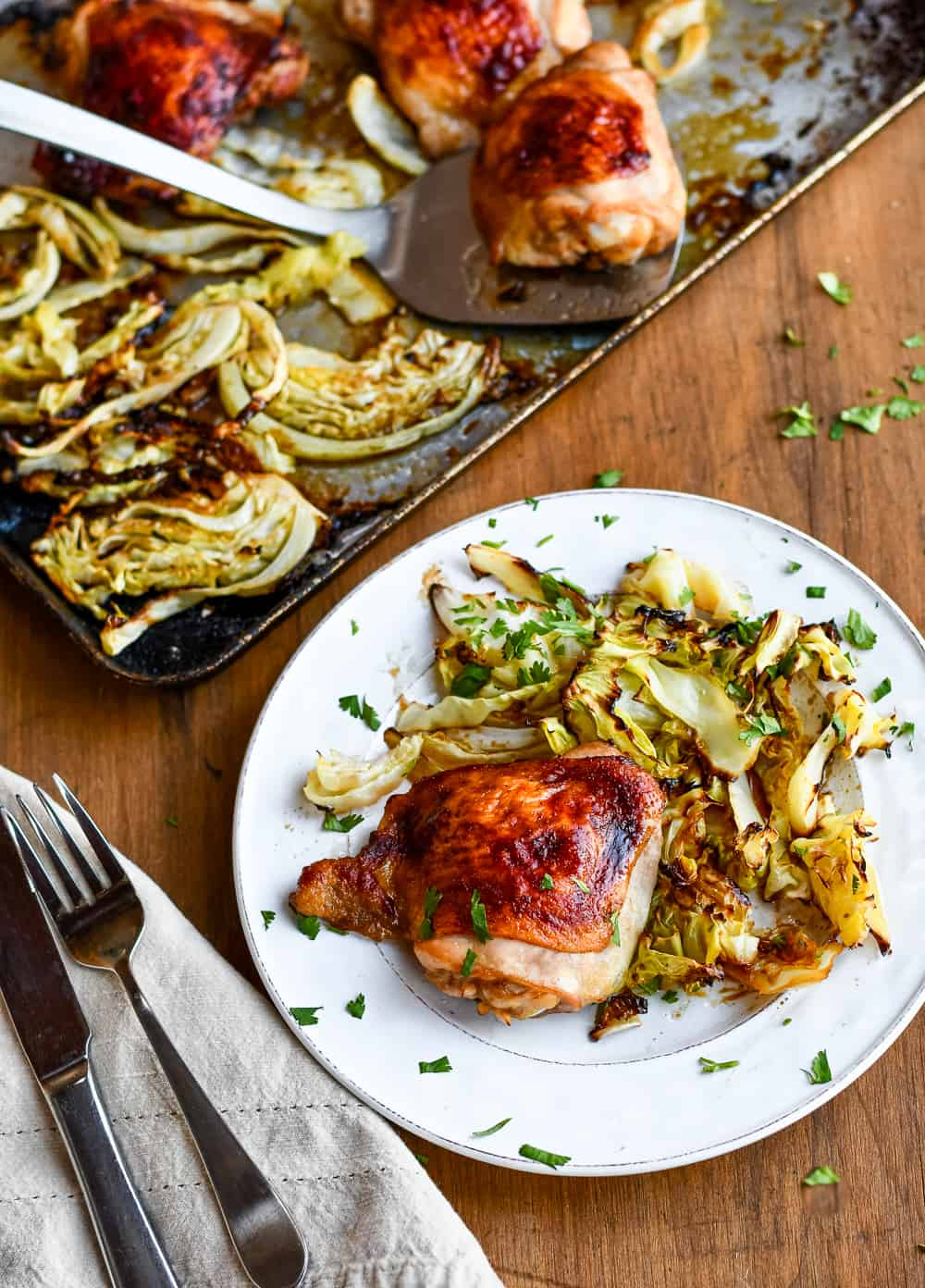 Asian Chicken with Crispy Cabbage tray & plate